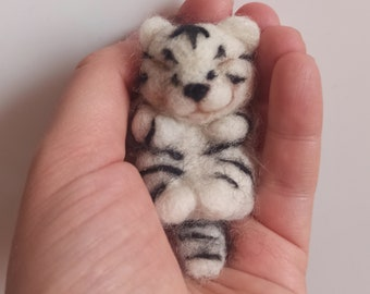 Tiger Needle Felted tiger white tiger cub Miniature tiger sculpture animal christmas gift birthday gift tiger