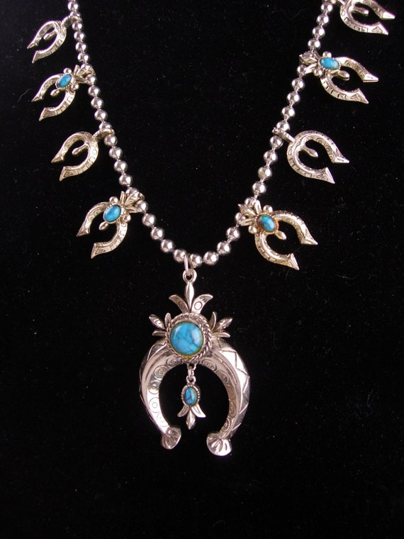 Chunky  Turquoise Necklace - Vintage Squash Blosso