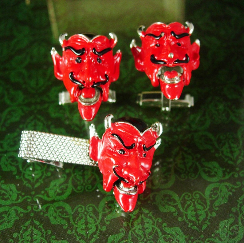 Jointed Red Mechanical Silver Satan Animated Horns Enamel Links Cufflinks Mouth Devil Novelty Demon Grotesque Cuff Jewelry Figural sQdCthr