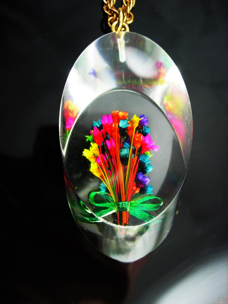 HUGE necklace  1940s LUCITE Necklace  Flower bouquet  vintage thick dimensional tubular slice  Sweetheart gift  mid century modern