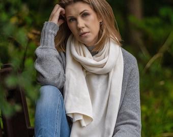 White cashmere wrap, soft merino wool blanket scarf, knit kashmiri shawl for shoulder, warm oversized scarf, autumn winter stole