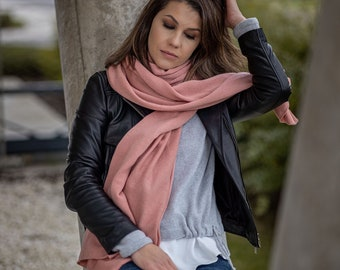 Soft cashmere wrap, luxury merino wool blanket scarf, blush kashmiri shawl for shoulder, timeless knitted travel accessory for women