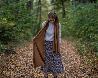 Mustard brown merino wool blanket scarf, soft shoulder wrap, knitted autumn shawl, useful gifts for mom from daughter