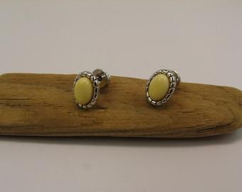Amber ear plug yellow silver