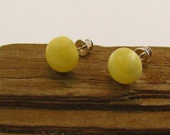 Amber ear plug yellow