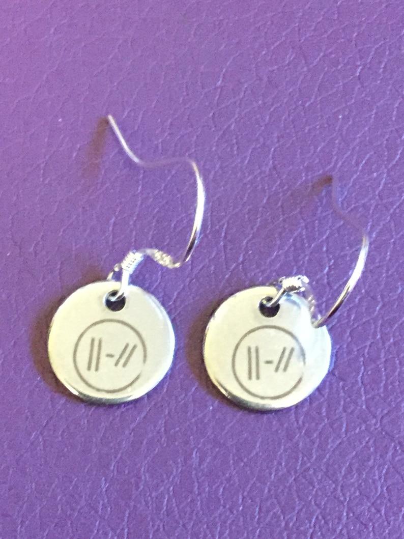 e98e047a92266 Twenty one pilots metal earrings with 925 silver wires Josh