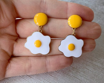 Foodie Yellow Enamel Fried Egg Charm Drop Earrings, foodie jewelry, egg earrings, aesthetic earrings, quirky jewelry