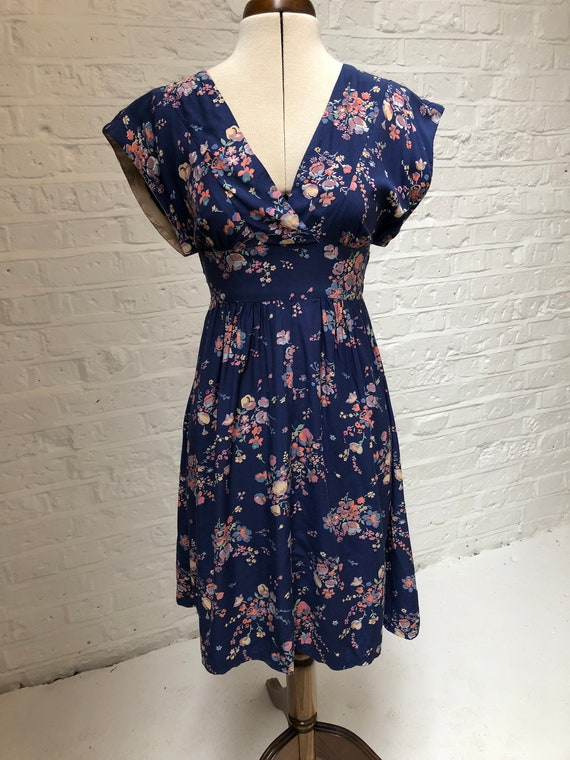 1970s does 1940s blue floral summer dress