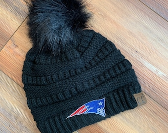 0346a25fb1e New England Patriots CC knitted pom pom hat