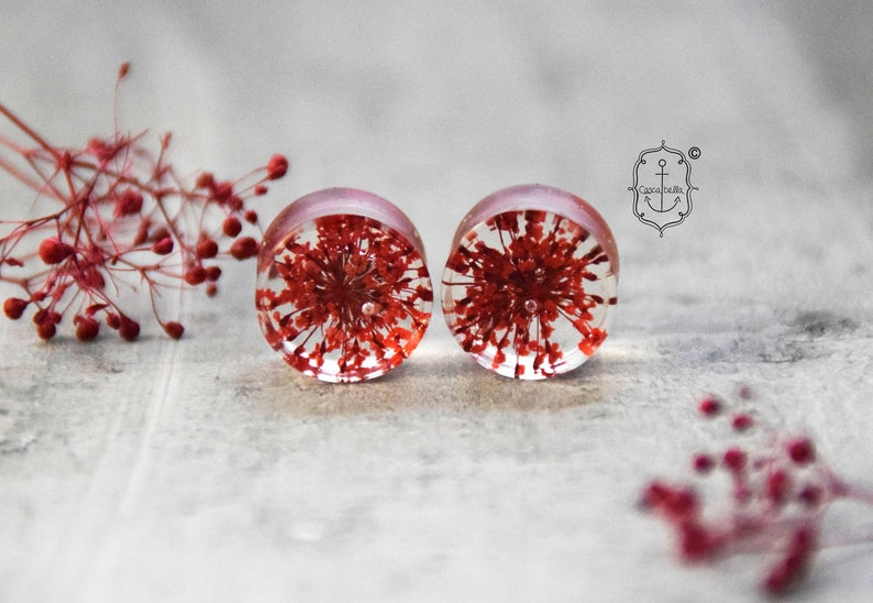 Plugs with real flowers Red