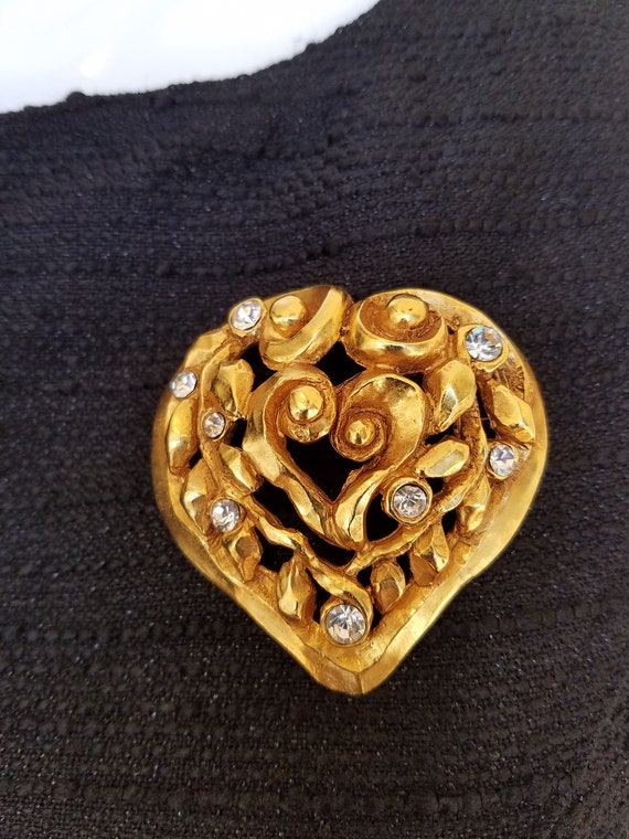 Christian Lacroix Gold Vintage Goldtone Heart Broo