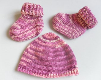 Crochet pattern Baby Bootees + Hat size 56-62