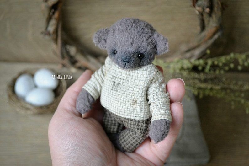 Primitive bear in a bed Bear in a sleeping bag Little teddy bear Toy in a sleeping bag Teddy bear in a cosy bed bag Sack pocket pouch