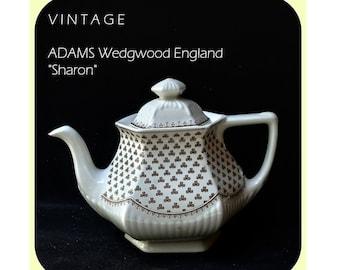 "Teapot ""Sharon"" 19 x 24 cm / ADAMS Wedgwood England / Real English Ironstone / 1960s to 1970s"