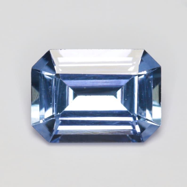 1.000 carats 7.01x5.05mm Natural Blue Sapphire Emerald Cut
