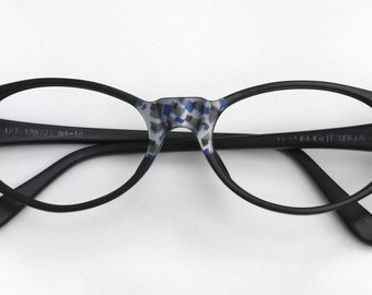 Eyeglass frame hand painted, black with pattern