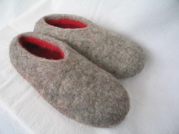 Hausschuhe Puschen Slipper mit Zahlenmotiv Blau oder Grau-rot