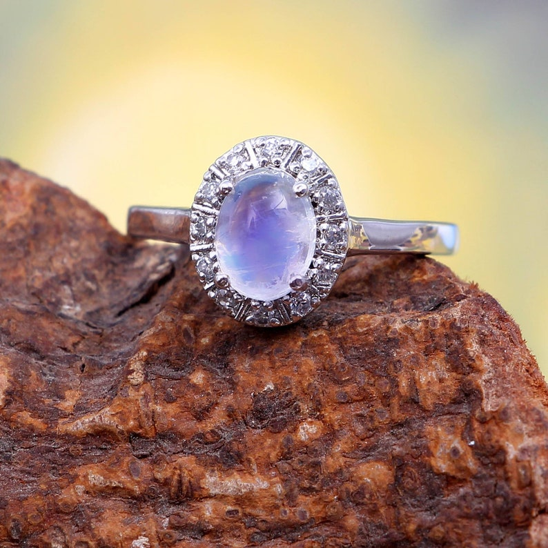 Gemstone Ring-925 Sterling Silver Ring Natural Beautiful White Rainbow moonstone Ring