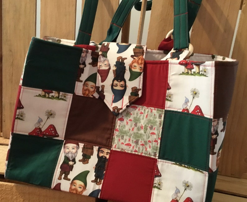Gnome large quilted bag