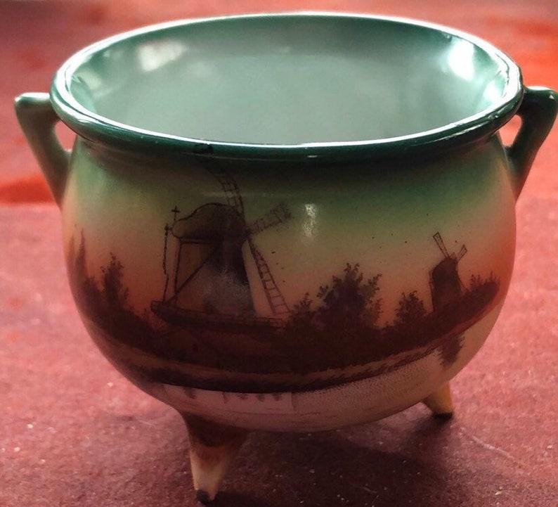 Vintage Pottery Cauldron Witches Cauldron Collectable image 0