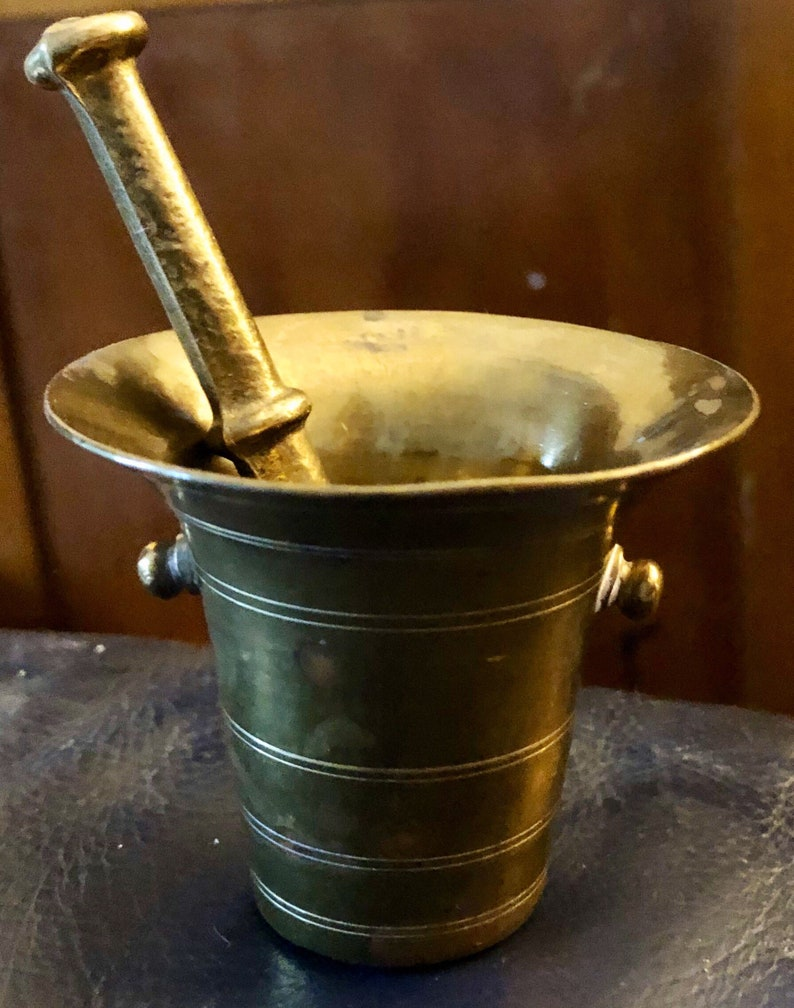 Vintage Brass Mortar & Pestle Apothecary Witchcraft Pagan image 0
