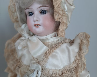 Bisque jointed arms Doll Vintage 1930/'s Japan Bathing Beauty Ceramic Bisque Penny doll Molded blonde hair with blue ribbon