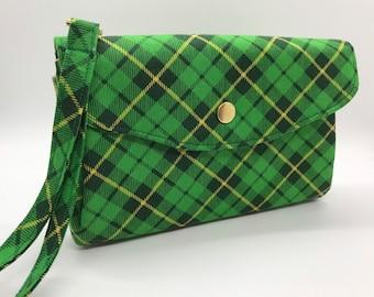 Kelly Green on Linen Picnic zipped clutch