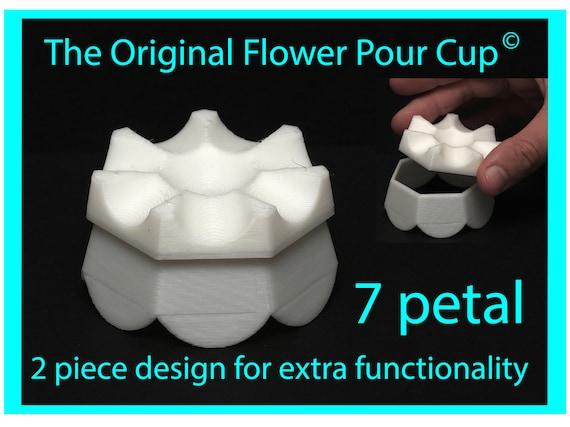 7 Petal Flower Pour Cup - Reverse Flower Dip - Acrylic Paint Pouring Split Cup