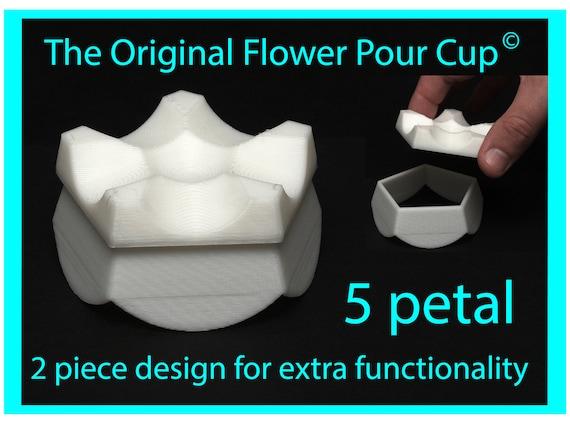 5 Petal Flower Pour Cup - Reverse Flower Dip - Acrylic Paint Pouring Split Cup