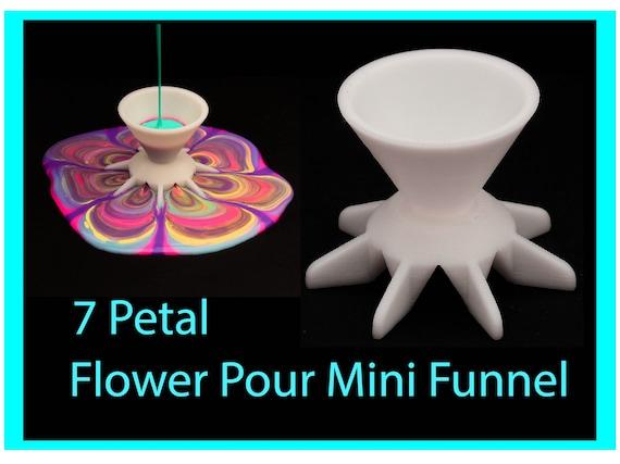 Flower Pour Mini Funnel - Reverse Flower Dip - Acrylic Paint Pouring Split Cup