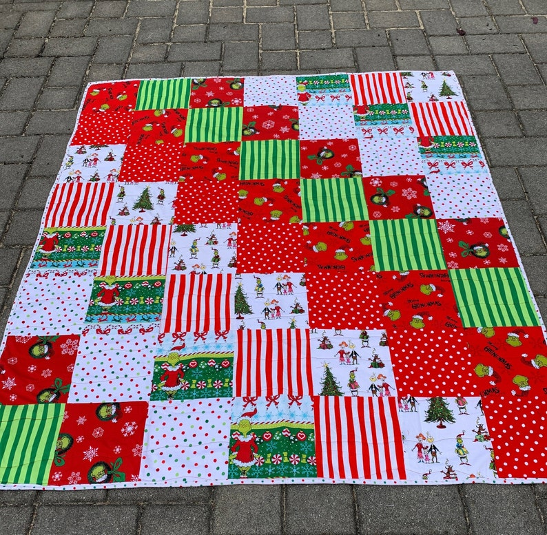 GRINCH CHRISTMAS QUILT with red minky backing  Straight Outta image 0