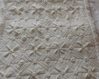 Ziggle Baby Blanket Nursery Cot and Pram 2 layers 100/% Chenille knitted Red and White Star