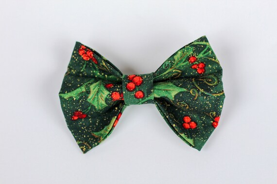 Under The Mistletoe  Dog Bow Tie