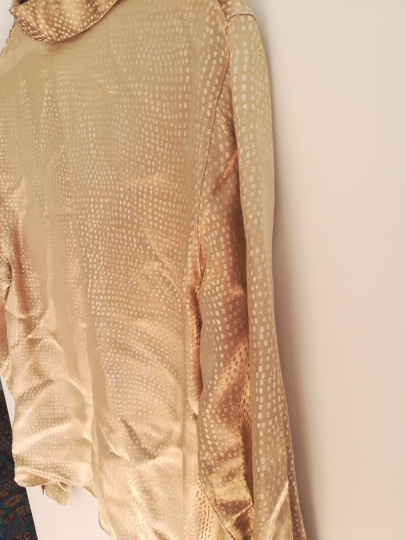 Vintage Champagne coloured Shirt with soft white spots all over Size 42 IT