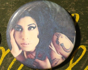 Amy Winehouse Portrait Illustration 25mm Pin Badge
