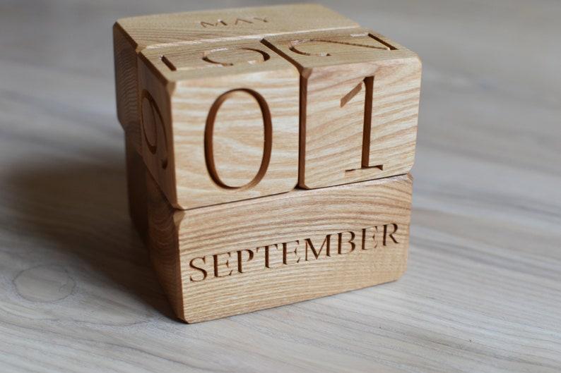 Wood Calendar Wood Blocks Perpetual Calendar Table Desk image 0