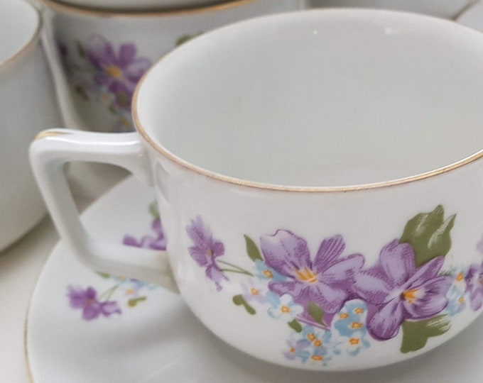 Cups, porcelain, shabby, violets, flowers, coffee, gold, purple, white, sweet, hearty, wedding, birthday, inauguration, spring, decoration
