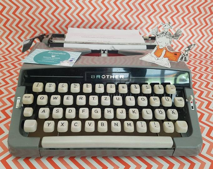 Typewriter brother deluxe, typewriter grey, brother deluxe light grey, gift, typewriter blue grey, writing machine, vintage decoration