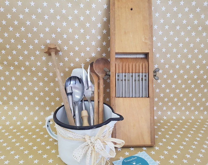 Shabby Decoration, Kitchen Decoration Shabby, Vintage Decoration,Shabby Kitchen, Old Grater, Cooking Spoon Old, Country House Decoration, Cooking Spoon Old, Kitchen Decoration Vintage