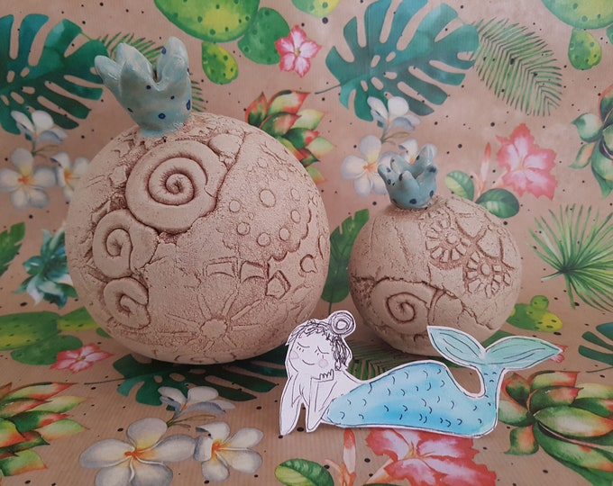 Ceramic ball,crown decoration,garden pottery, garden art,garden ball,ceramic sculpture,frostproof ceramic,garden object,gift garden,ceramic blue