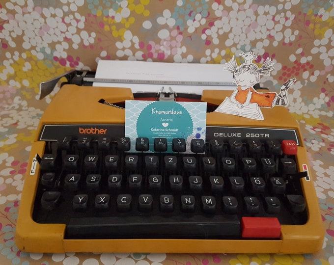 Typewriter brother, typewriter yellow, travel typewriter Brother, gift friend, vintage office decoration, vintage typewriter
