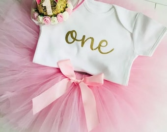 2c4c614892af48 Baby Girls First 1st Birthday Outfit Tutu Skirt Vest And Crown Cake Smash  Set Party