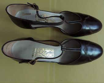 Gently Used Size:7.5 B Authentic Salvatore Ferragamo Brown ankle T-strap Slingback Pumps