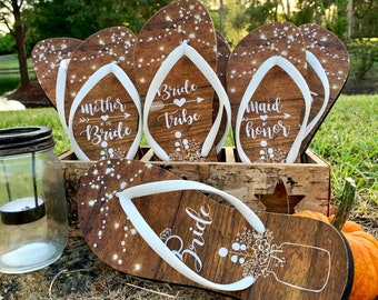 Rustic Custom Flip Flops / Bride / Bride Tribe / Bridesmaid / Maid of Honor / Mother of the Bride / Mother of the Groom / Country & Barn