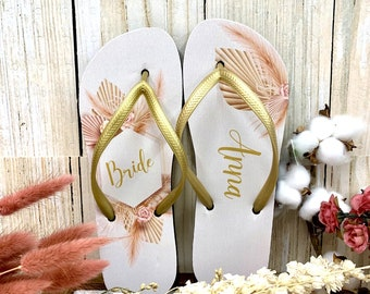 Pampas Grass Flip Flops / Bride / Bridesmaid / Maid of Honor / Mother of the Bride / Mother of the Groom / Gift / Wedding Trend / Bags Free