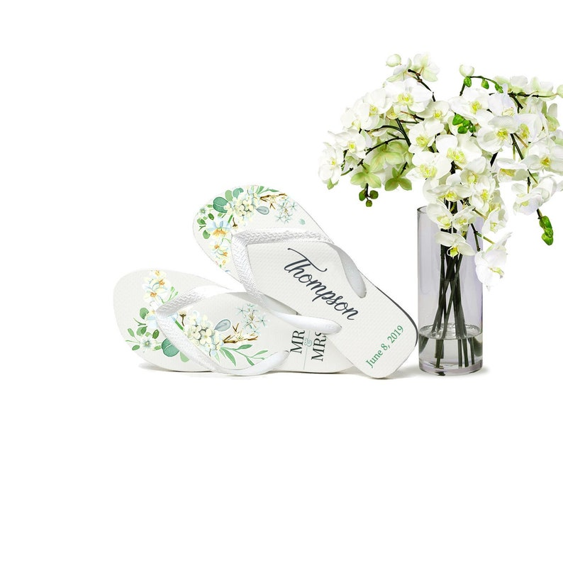 Custom Wedding Flip Flops, Bride Flip Flops, Flip Flops for Guests, Mr &  Mrs, Wedding Party, Gifts for Guests, Wedding Favors, Floral Orchid