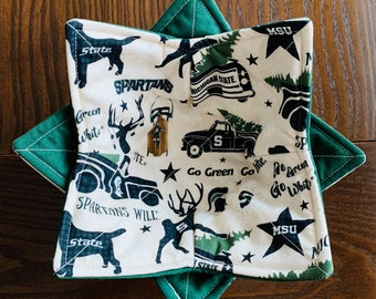 Michigan State University Microwave Bowl Cozy, Christmas MSU Reversible Quilted Cotton Bowl Holder, Spartan Pot Holder, Student Teacher Gift