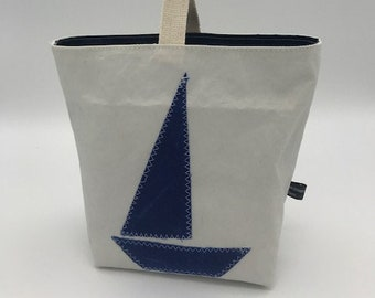 Clothespin bag sail with carabiner