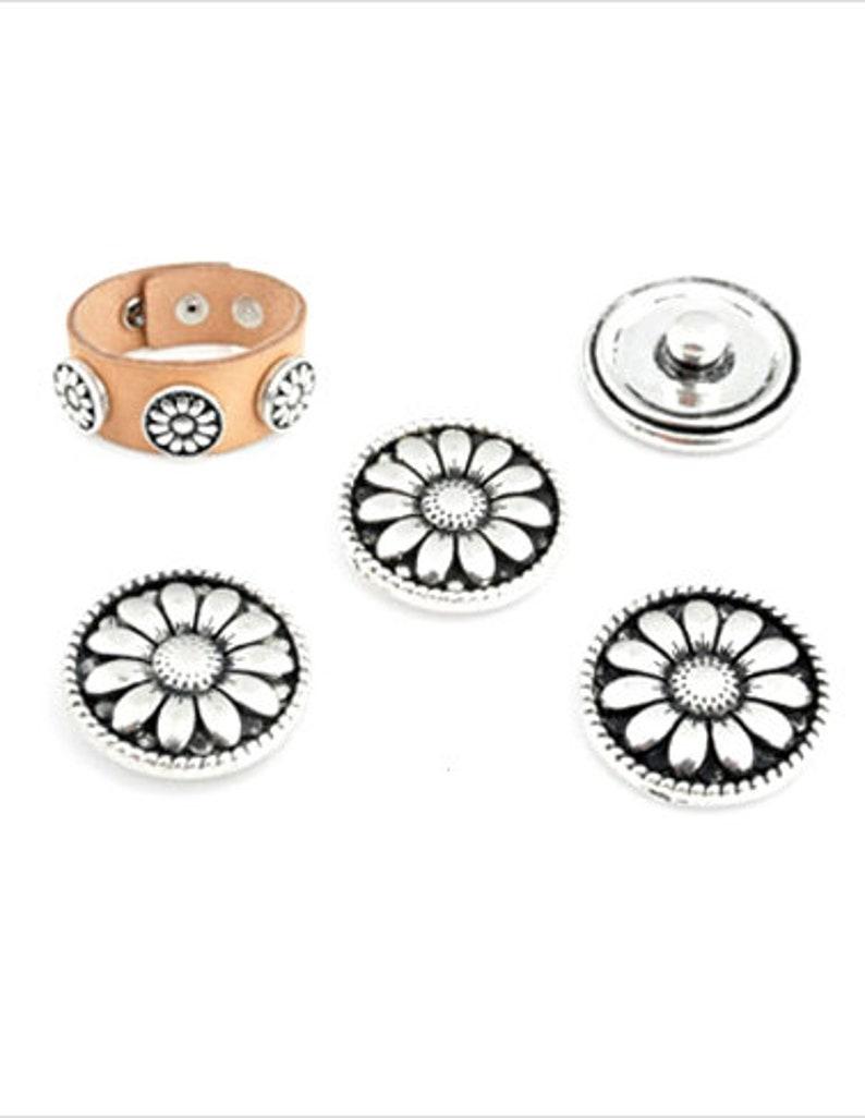 2 x push button flower silver 18 mm