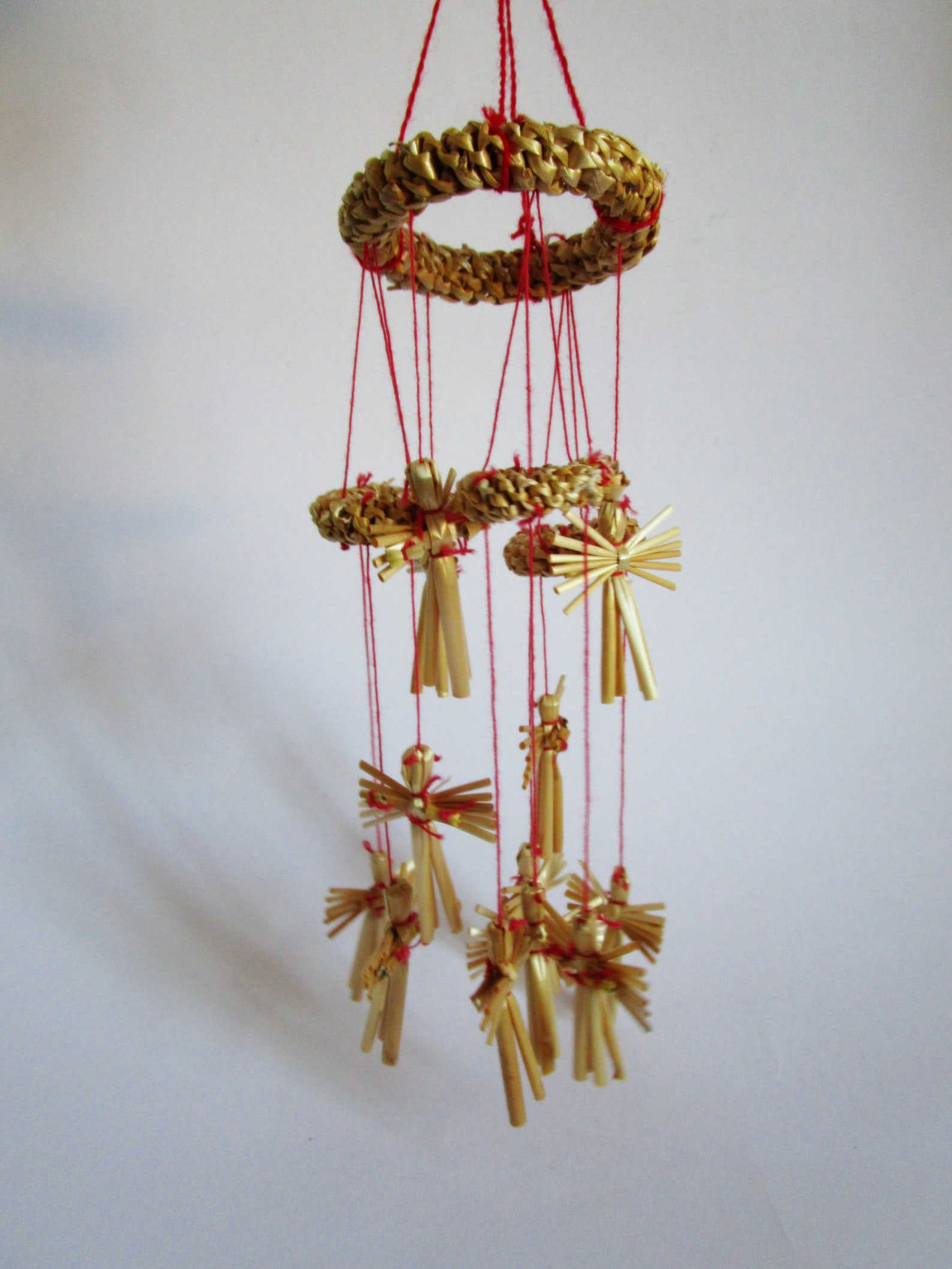 Retro straw garland with wreath and angels for Christmas and home decor for hanging